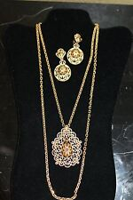 Vintage Crown Triffari Necklace & Clip On Earring Set Gold Tone  21/14
