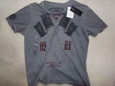 GUESS Mens Distressed T-Shirt Size M Brand New