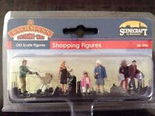 Scenecraft By Bachmann. 36-046. Shopping Figures. OO Gauge.