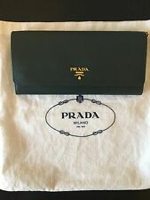 Authentic Prada – Smeraldo (Forest Green) Oro Wallet on Chain WOC Clutch PH