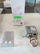 "Johnson Controls Low Pressure Control #(240) P70CA-1C 36"" Cap 1/4"" Nut (NIB)"