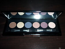 MAKEOVER ESSENTIALS SILKY SMOOTH EYE COLOR KIT 6 BEAUTIFUL EYE SHADOWS