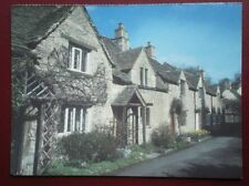 POSTCARD WILTSHIRE CASTLE COMBE - LOVELY OLD COTTAGES