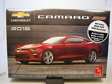 AMT 1:25 SCALE WHITE 2016 CHEVROLET CAMARO SS HARDTOP PLASTIC MODEL KIT