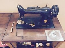 1947 Antique Vintage Singer Sewing Machine Model 15 Se WORKS