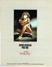 PUBLICITE ADVERTISING 116  1985  Sophie Marceau pose nue  par Françoise Prouvost