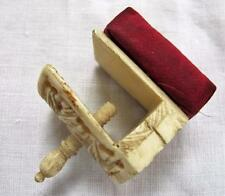 ANTIQUE CHINESE CARVED BONE (BOVINE) SEWING NEEDLEWORK CLAMP c1860