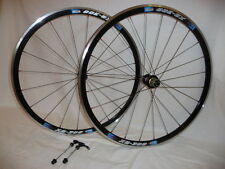 Kinlin XR300 wheels with Novatec hubs for road race or training .