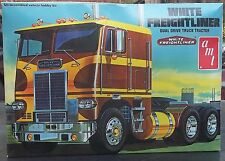 White Freightliner Cab Over Truck Tractor 1/25 Scale Kit Parts or Restore Used