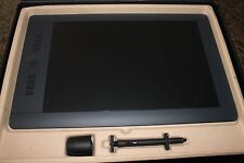 Wacom Intuos Pro Pen and Touch TabletbLarge PTH851- EXCELLENT COND.