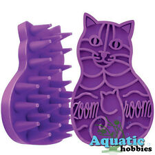 Kong Zoom Groom Cat Rubber Brush Shampooing Gently Groomassage