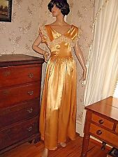 LOVELY VINTAGE 1940s GLOSSY LIQUID GOLD SATIN FORMAL GOWN -GORGEOUS VTG LACE