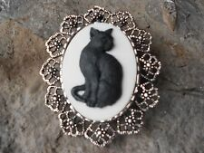 *2 IN 1- HALLOWEEN BLACK CAT CAMEO BROOCH / PIN / PENDANT - WITCH, WICCA, WICCAN