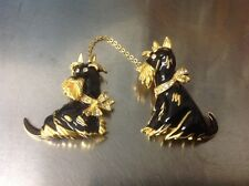 SIGNED BOB MACKIE BLACK ENAMEL GOLD TONE DOUBLE SCOTTY PIN PAIR OF DOGS ON CHAIN