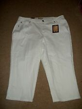 Ladies White Capri/Cropped Style  Jeans   by Earl Jeans  Size 24W
