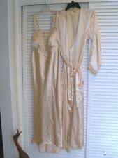 FLORA NIKROOZ LONG PEIGNOiR SET..NIGHTGOWN w/ BUILT-IN BRA & ROBE..Size S/M