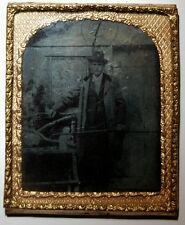 Ferrotypie. Herr mit Stock, Messingrahmen um 1900