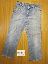 Used Rehemmed levi's 517 boot cut jean  meas 34x28 zip5373