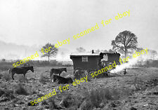 Photo - Gypsy caravans, location unknown, 1930's (2)