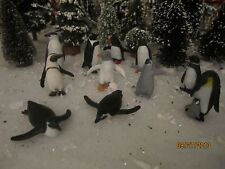 "TRAIN GARDEN VILLAGE HOUSE  "" WILD ARCTIC PENGUINS SET "" + DEPT 56/LEMAX INFO"