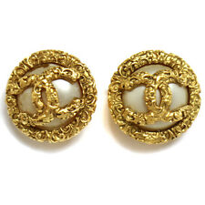 """Authentic CHANEL Vintage CC Logos Imitation Pearl Earrings Clip-On 1.2 """" V01266"""