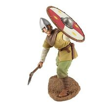 W Britain 62101 Viking Wearing Spangenhelm Defending 1/30 Scale Soldier