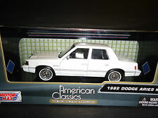 Motormax Dodge Aries K 1982 White 1/24