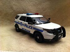 1/18 SCALE NEW ORLEANS LA PD FORD SUV UT DIECAST WITH WORKING LIGHTS AND SIREN