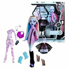 Monster High I LOVE FASHION Abbey Bominable & 3 Outfits Exclusive Doll PlaySet !
