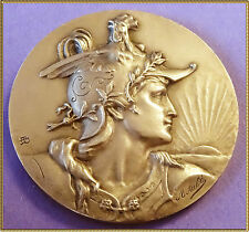 BRONZE  MEDAL - MARIANNE HELMET WITH ROOSTER - SUN IS COMING BACK - AUBE