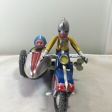 Vintage MS-709 CHINA #605 Wind Up Tin Toy MOTORCYCLE with SIDECAR Rubber Head