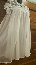Miss Elaine white nightgown and robe set m