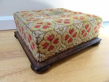 ANTIQUE FOOTSTOOL NEEDLEPOINT COUNTRY PRIMITIVE GOUT STOOL CABIN FARM 1870 WORN