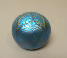 ORIENT & FLUME BLUE IRIDESCENT PULLED FEATHER ART GLASS PAPERWEIGHT DATED 1977