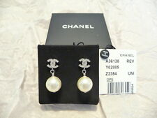 CHANEL PEARL DROP EARINGS. SILVER METAL with CRYSTAL CC LOGO