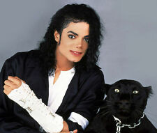 MICHAEL JACKSON UNSIGNED PHOTO - 8086 - WITH BLACK PANTHER