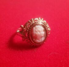 GORGEOUS CAMEO RING WITH 9ct GOLD PIERCED MOUNT