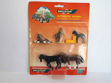 BRITAIN'S 718 FARM HORSE SET WITH FIGURE & HAY BALES 1:30 MOC (BS1404)