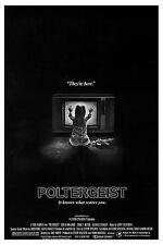 Encadrée Rétro Affiche de cinéma -- Poltergeist 1982 (réplique imprimer cinéma d'horreur film)