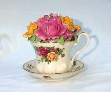 ROYAL ALBERT OLD COUNTRY ROSES MUSICAL TEACUP BOX 22 KT GOLD TRIM
