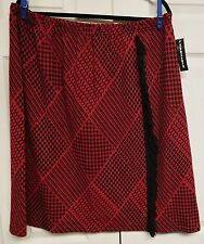 NINA LEONARD Woman's Kilt Look Skirt....3X....NWT...Red & Black...Elastic Waist