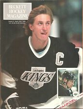 Beckett Hockey Magazine #1 September 1990 Wayne Gretzky cover Patrick Roy back