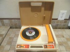 VINTAGE FISHER PRICE RECORD PLAYER MINT COND!! TRINY LOPEZ 4 SONGS 33/45 SPEEDS