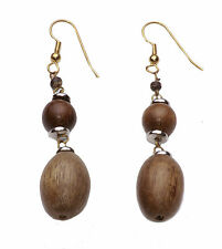 LOVELY HAND-CRAFTED GOLD TONE DROP EARRINGS PALE BROWN WOODEN BEADS (ZX16)