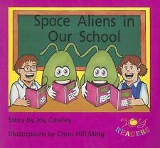 SPACE ALIENS IN OUR SCHOOL (Dominie Joy Readers)