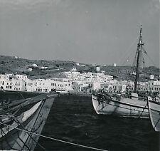MYKONOS c. 1960 - Vue sur la Ville depuis la Mer Bateaux  Grèce - Div 5802