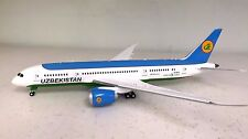 JC WINGS 1:200 BOEING 787-8 Uzbekistan UK78701 Ref: XX2414 (WITH STAND)