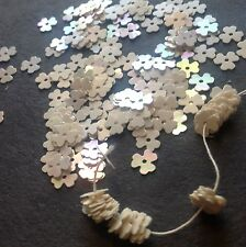 VINTAGE SEQUINS FLOWER CLOVER Ivory PEARL IRIS PAILLETTES Doll or Trim 5mm LOT