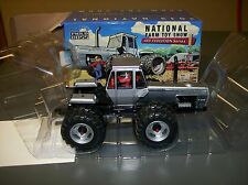 2013 NATIONAL FARM TOY SHOW WHITE 4-210 FIELD BOSS