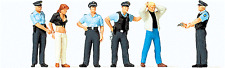 Preiser HO scale 10589 UNDER ARREST : Four Policeman and Two Suspect Figures